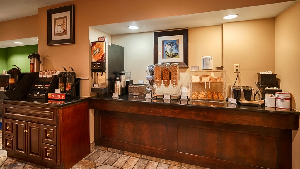 Best Western San Marcos - Enjoy our variety of breakfast items to fulfill your appetite.