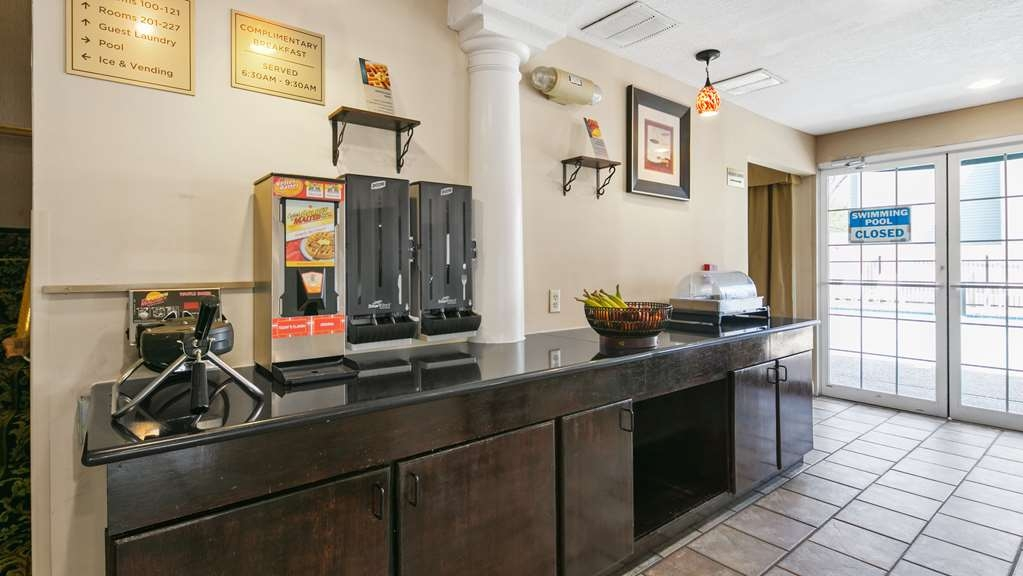 Best Western San Marcos - Breakfast Area