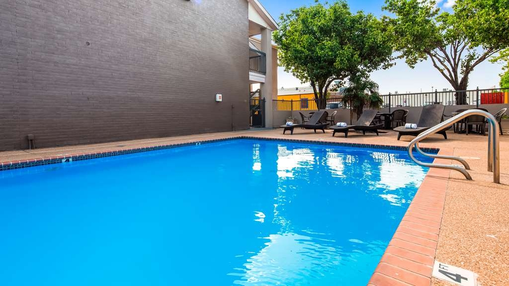 Best Western Executive Inn - Piscina