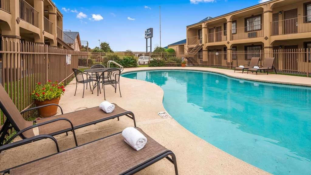 Best Western Northpark Inn - Vista de la piscina