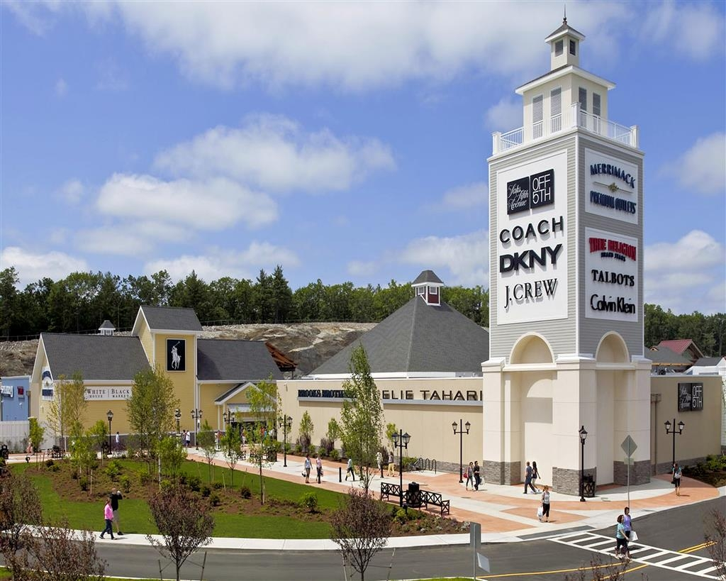 Best Western Inn & Suites - There's no shortage of shopping at the Premium & Tanger® Outlet Malls.