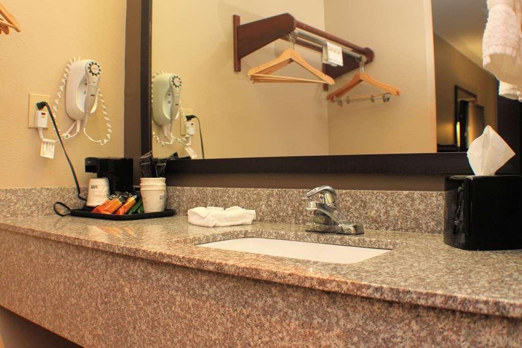 Best Western Inn & Suites - Two Queen Guest Bathroom