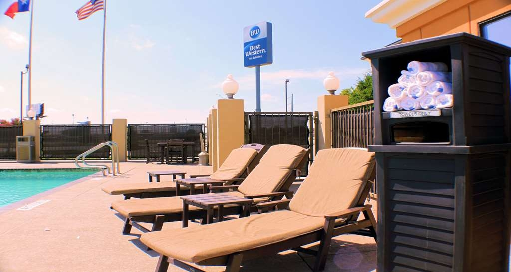Best Western Inn & Suites - Soak up the sun in one of our comfortable lounge chairs by our outdoor swimming pool and heated spa.