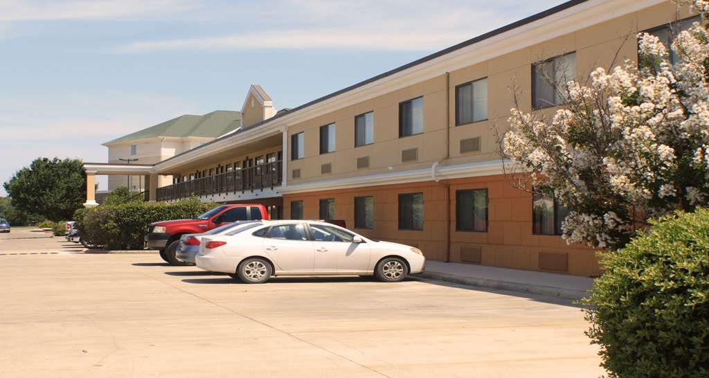 Best Western Inn & Suites - a glance at both our Interior as well as Exterior entrance rooms.