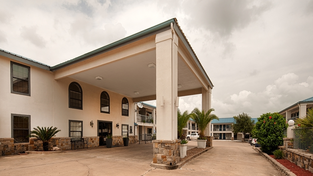 Best Western George West Executive Inn - Vista Exterior