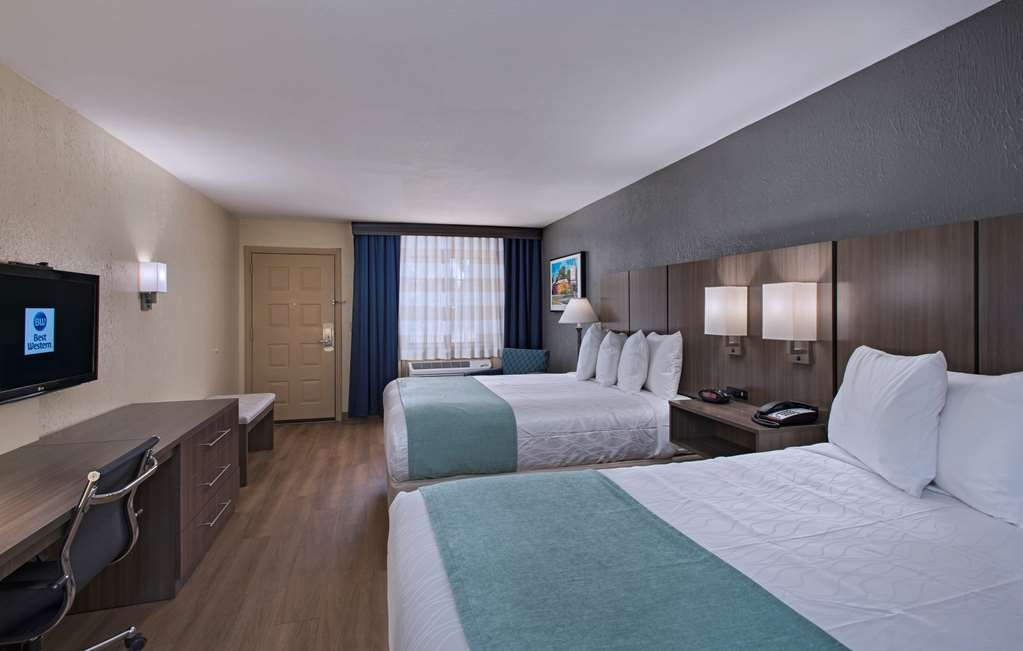 Best Western Port Aransas - More than two people in the room? We have enough space in our two queen guest room.