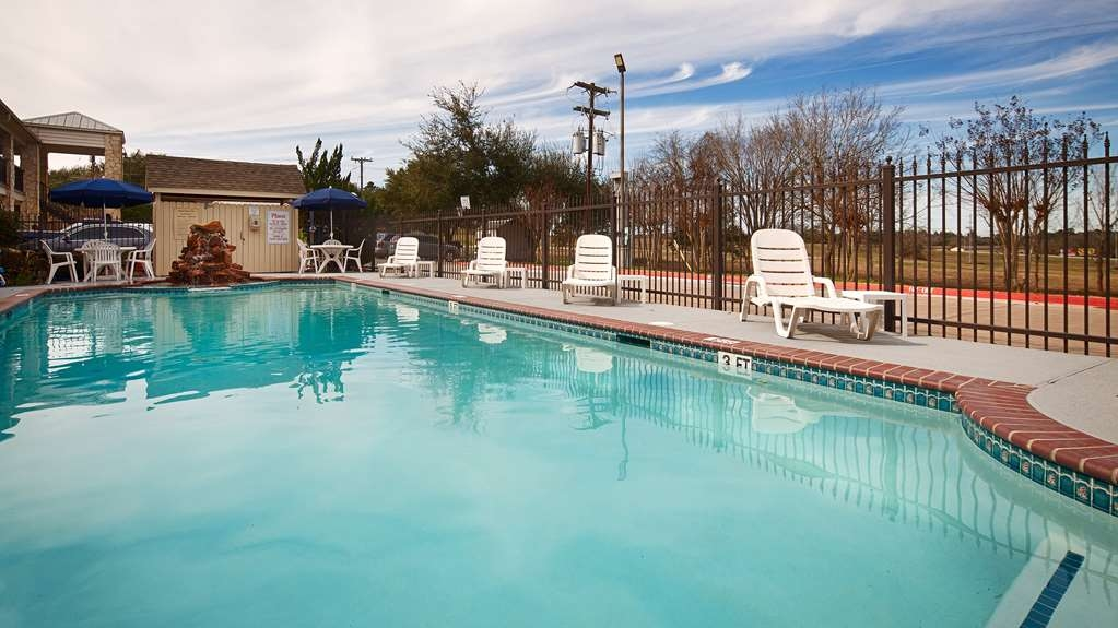 Best Western Inn of Brenham - Pool