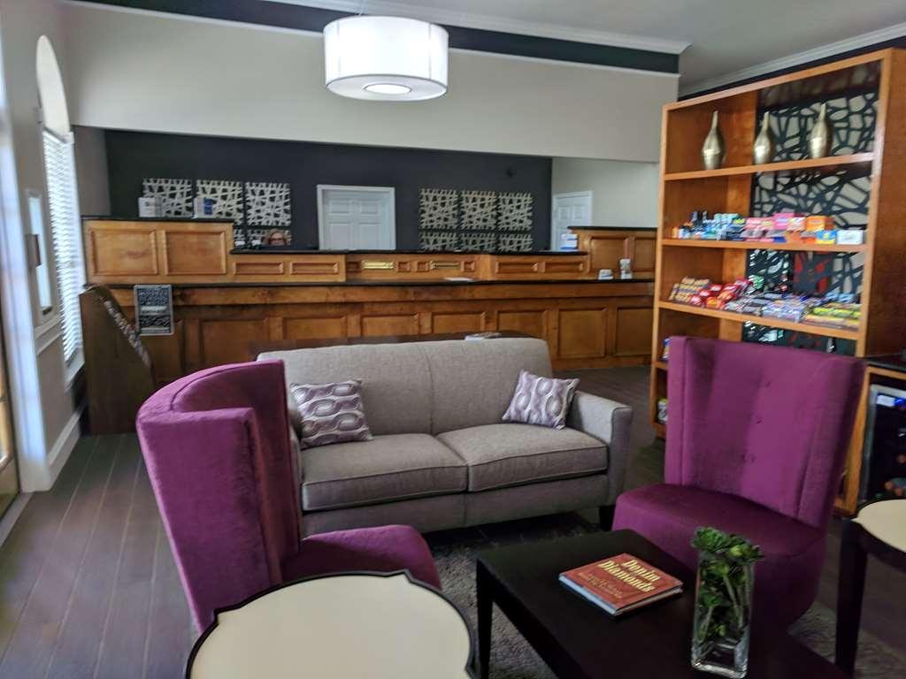 Best Western Inn of Brenham - Vista del vestíbulo