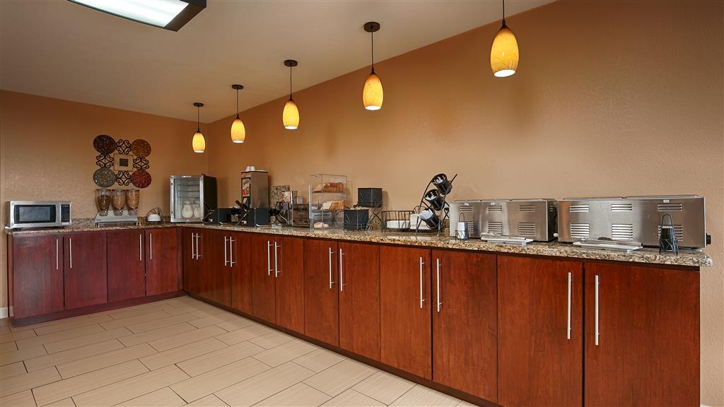 Best Western Padre Island - Breakfast Area