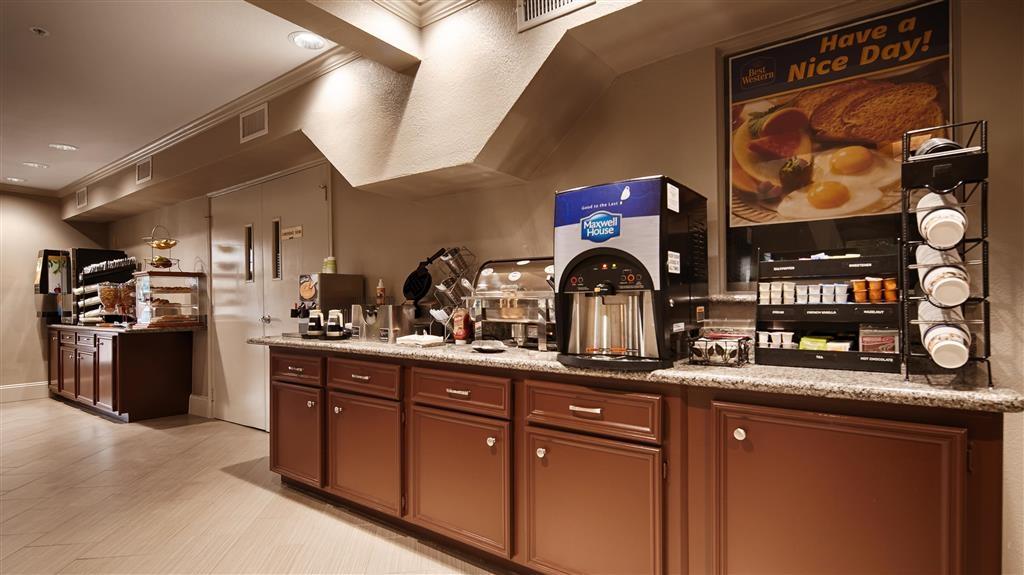 Best Western Deer Park Inn & Suites - Frühstücksbereich