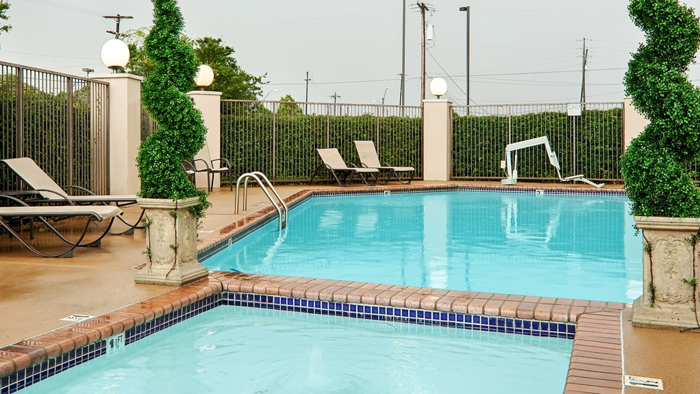 Best Western Plus Southpark Inn & Suites - Piscina