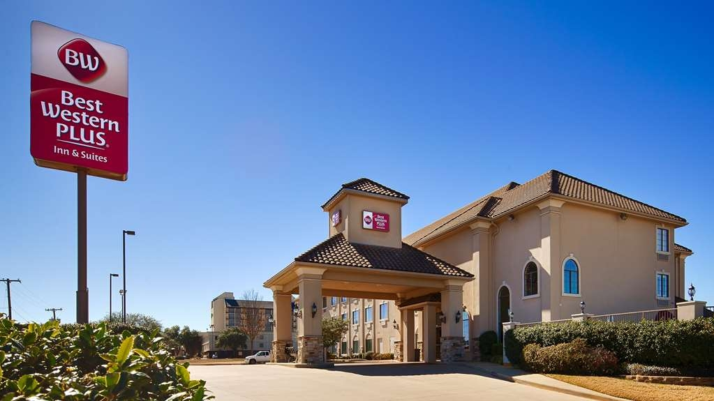 Best Western Plus Southpark Inn & Suites - Pull up and make yourself at home at the BEST WESTERN PLUS Southpark Inn & Suites.