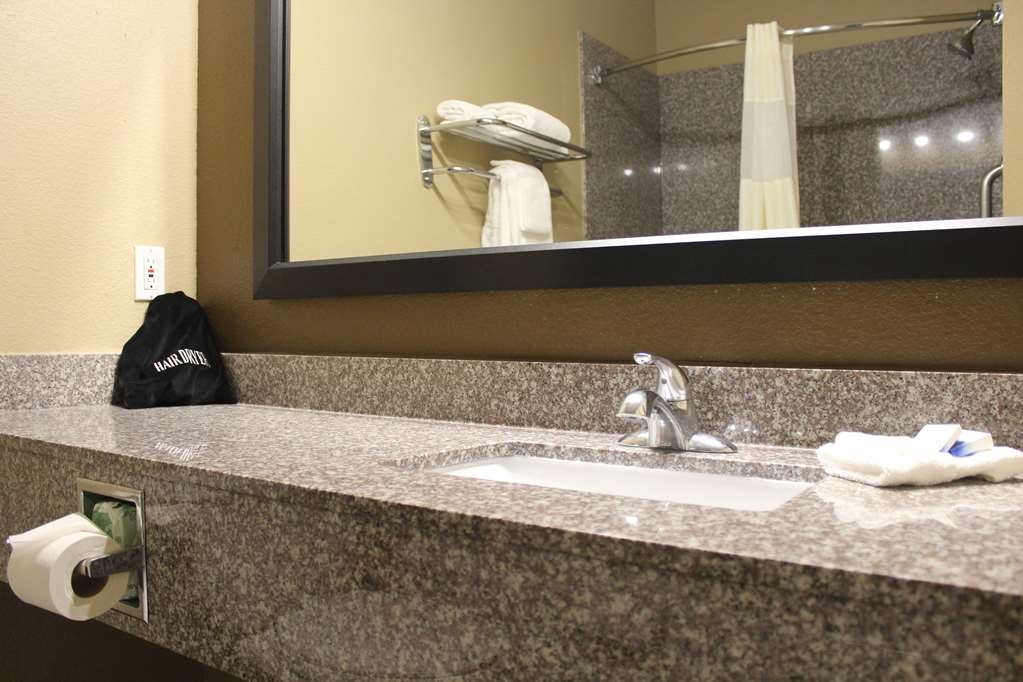 Best Western Heritage Inn - All guest bathrooms have a large vanity with plenty of room to unpack the necessities.