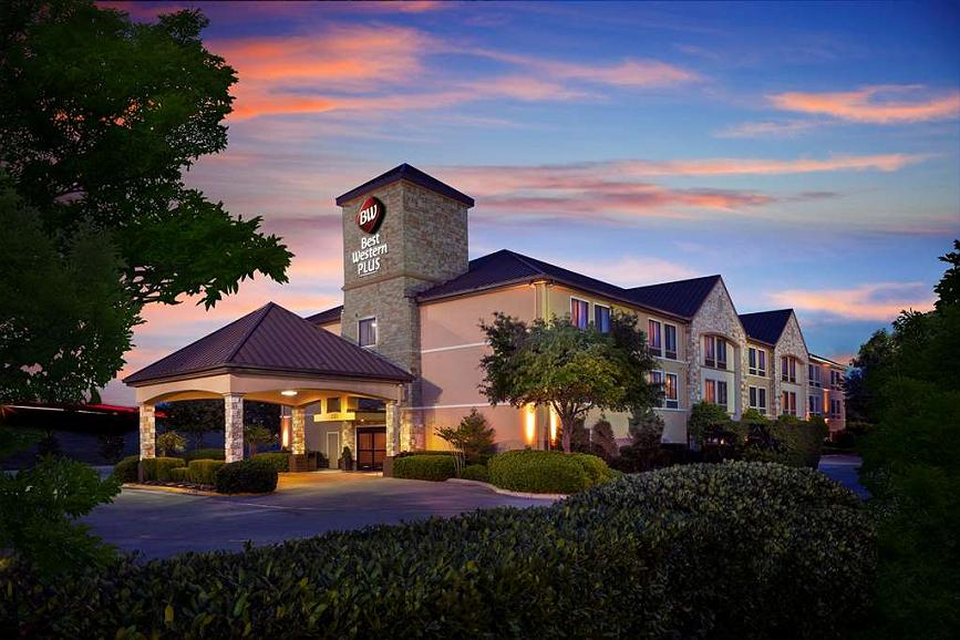 Best Western Plus Lewisville Coppell - The Best Western Plus Lewisville Coppell is the perfect place to rest your head.