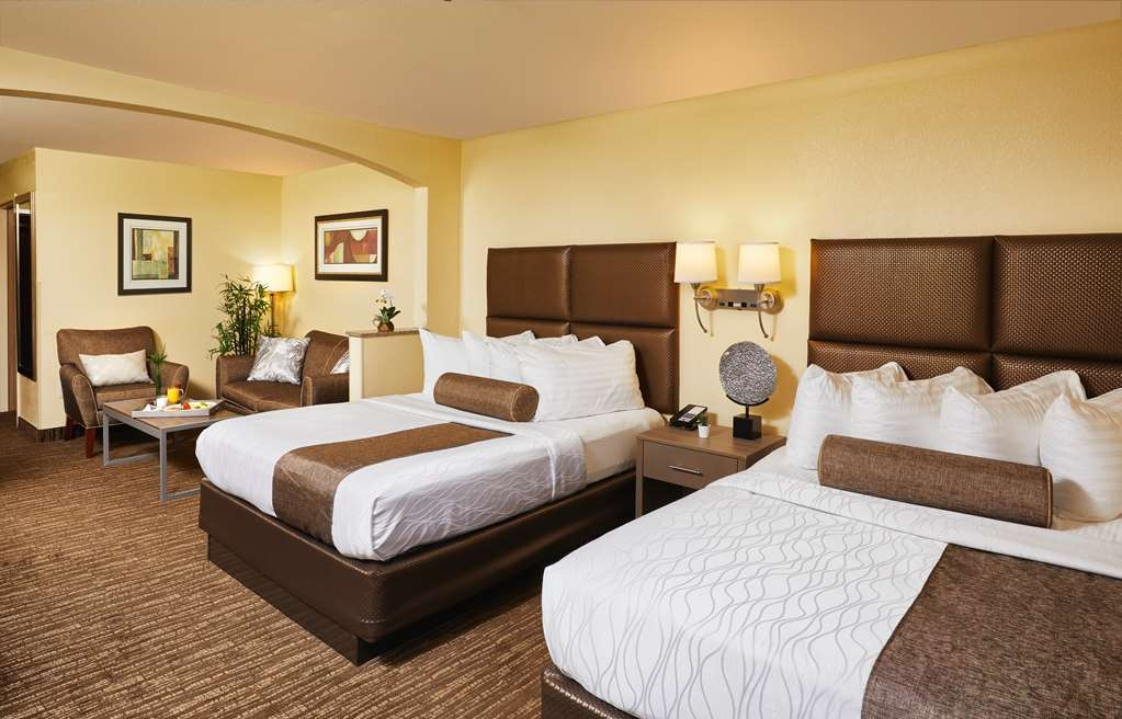 Best Western Plus Lewisville Coppell - Sink into our comfortable beds each night and wake up feeling completely refreshed.