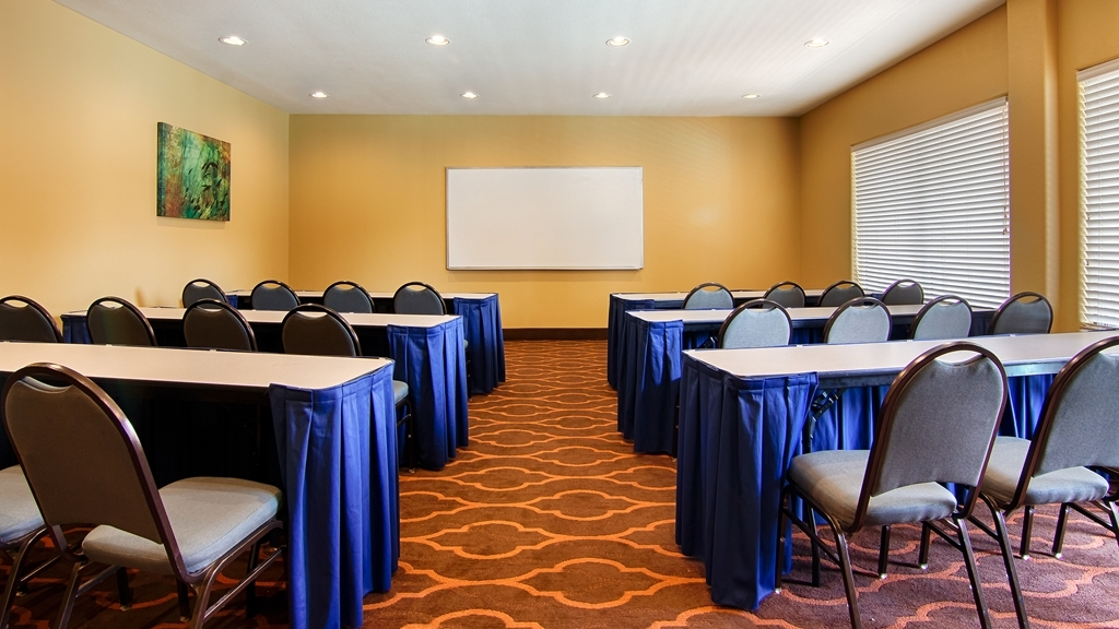 Best Western Plus DFW Airport Suites - Our meeting room is the ideal setting for corporate events. Call our staff to book today!