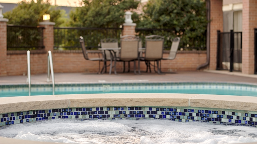 Best Western Plus DFW Airport Suites - There's nothing like a relaxing dip in our hot tub after a long day.