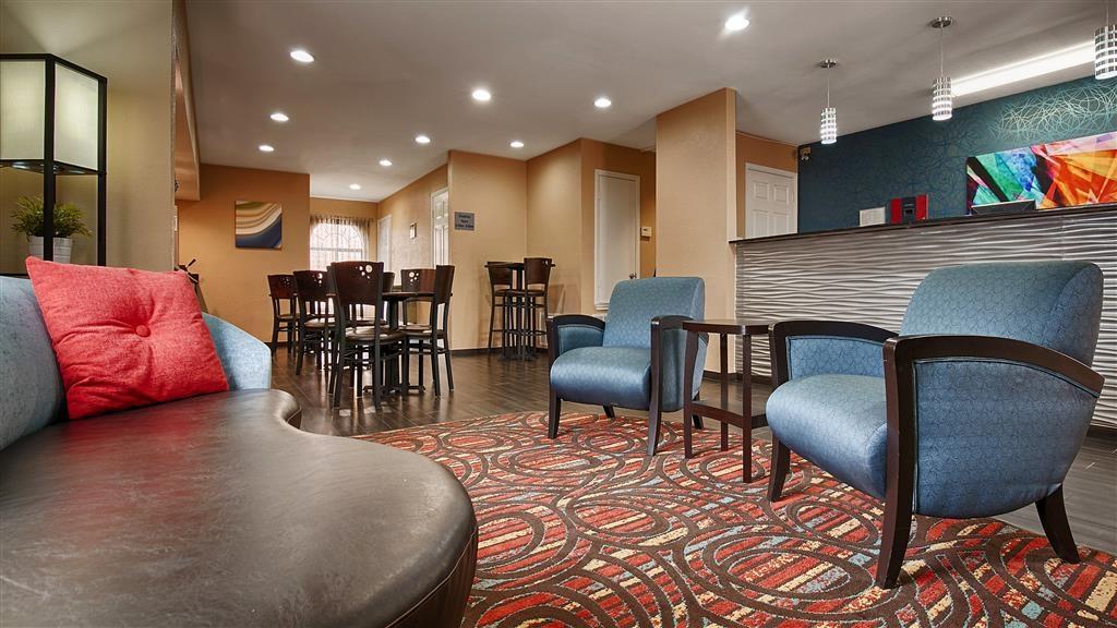 Best Western Cedar Inn - Hall dell'hotel