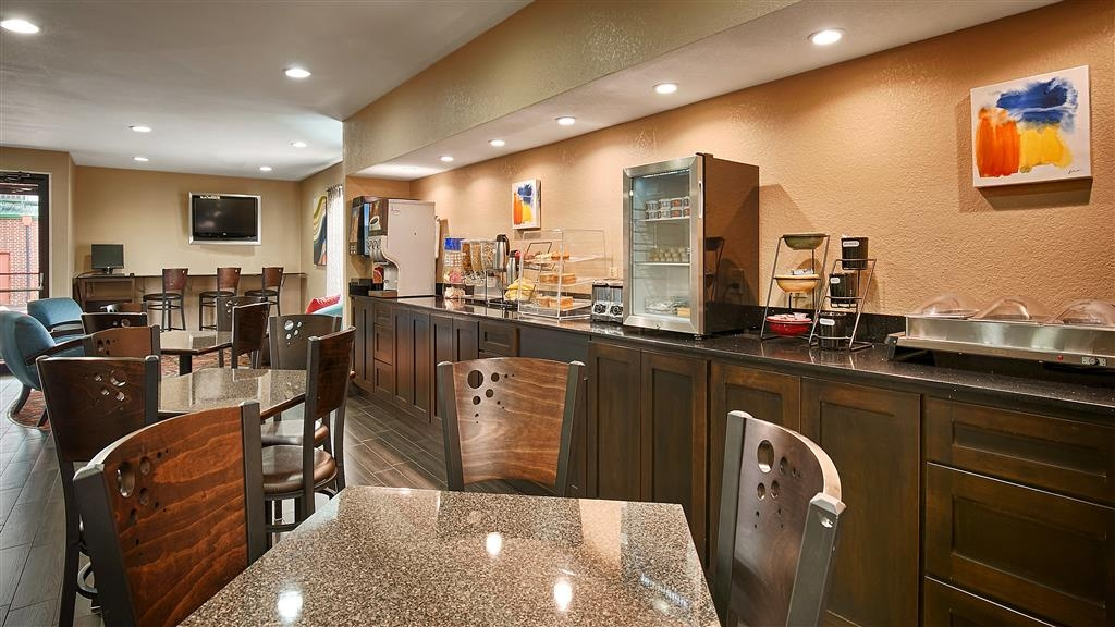 Best Western Cedar Inn - Breakfast Area