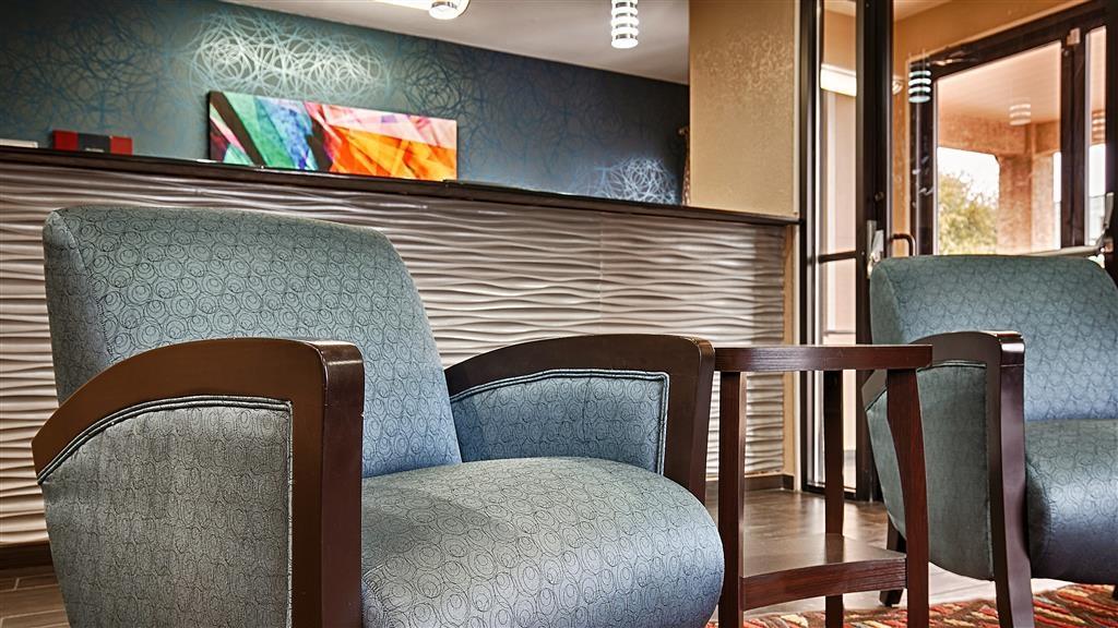 Best Western Cedar Inn - Hall de l'hôtel