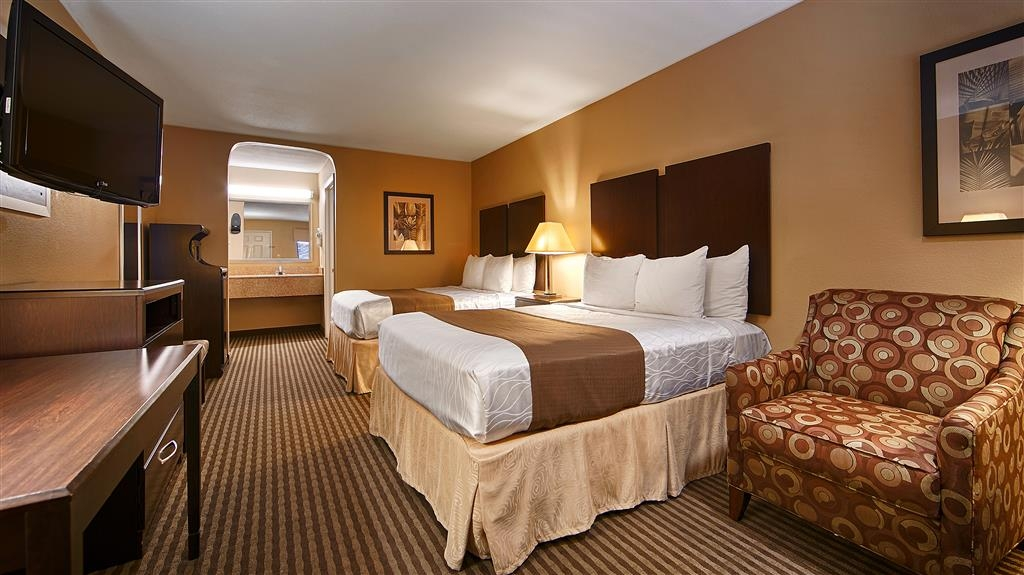 Best Western Cedar Inn - Two Queen Guest Room