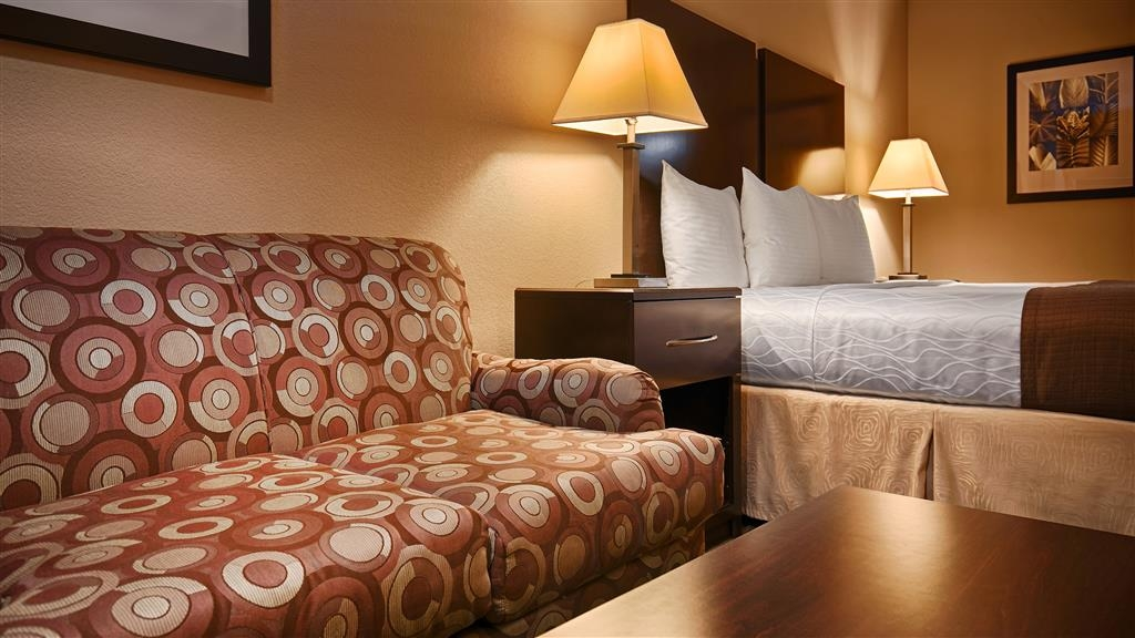 Best Western Cedar Inn - Guest Room