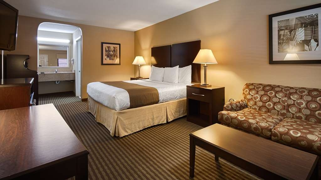 Best Western Cedar Inn - King Guest Room