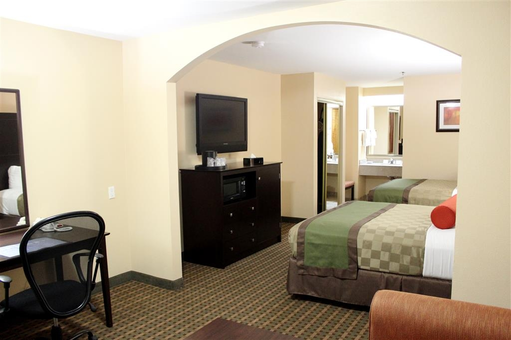 Best Western Plus Edinburg Inn & Suites - Deluxe two queen bedroom