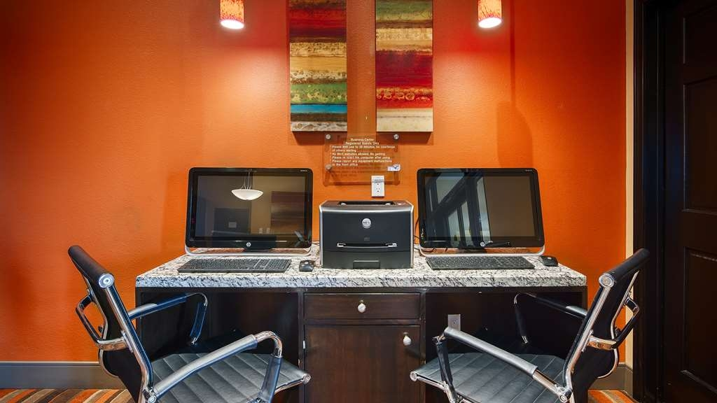 Best Western Plus Edinburg Inn & Suites - Keep connected with your loved ones in our business Center.