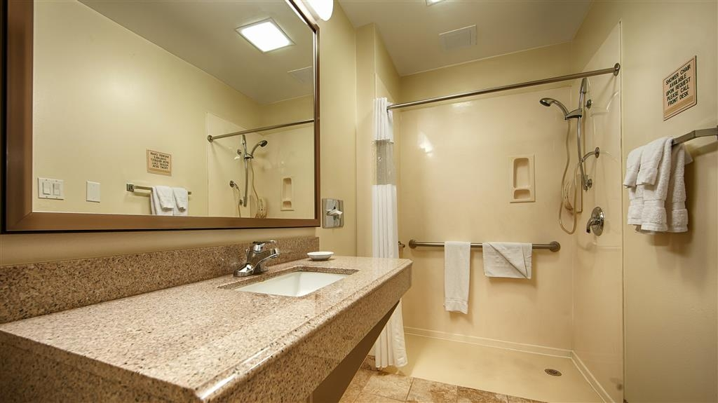 Best Western Plus Edinburg Inn & Suites - Mobility Accessible Bathroom