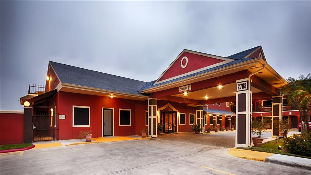 Best Western Plus Edinburg Inn & Suites - Exterior