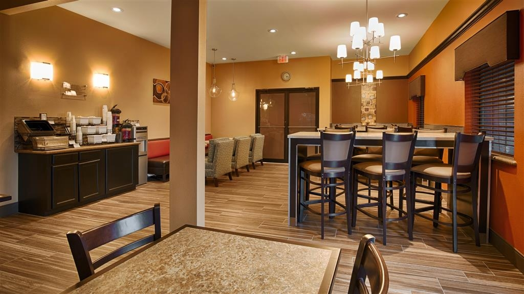 Best Western Plus Edinburg Inn & Suites - Breakfast