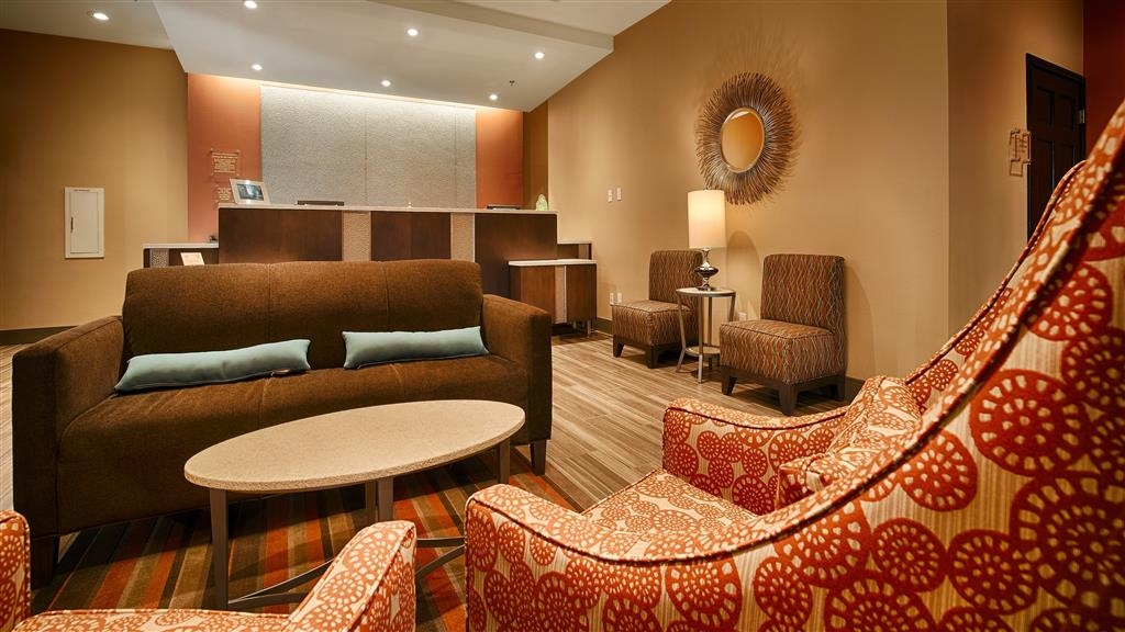Best Western Plus Edinburg Inn & Suites - Have a seat in our inviting lobby while enjoying wireless high-speed internet.