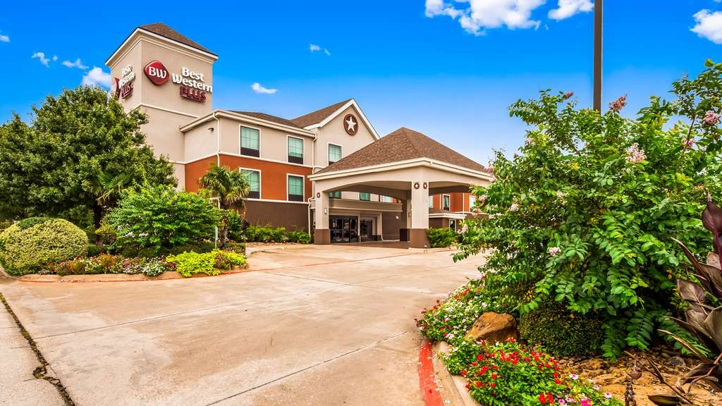 Best Western Plus Denton Inn & Suites - Façade