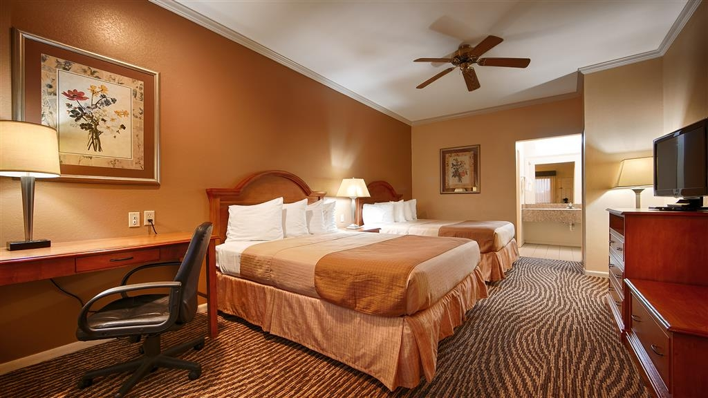Best Western Inn of Navasota - Two Queen Bed Guest Room