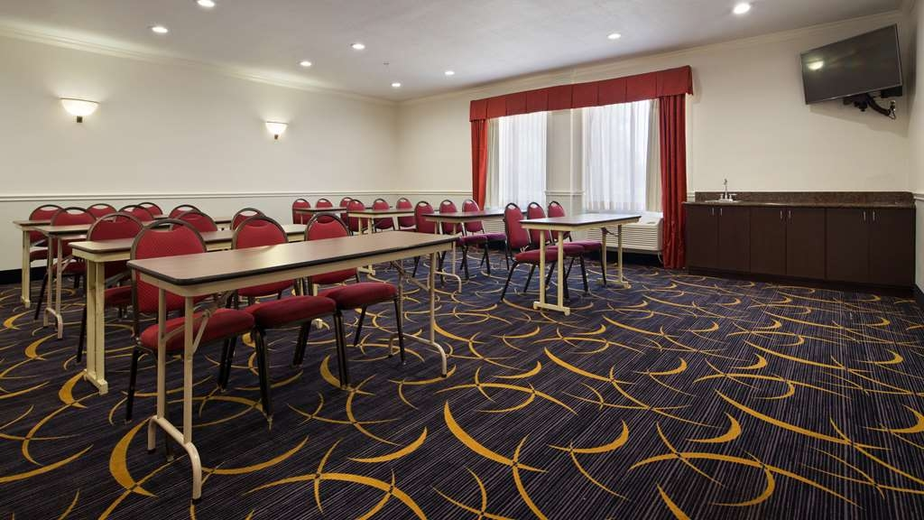 Best Western Plus North Houston Inn & Suites - We can host your next anniversary, celebration or meetings in one of our versatile meeting room.
