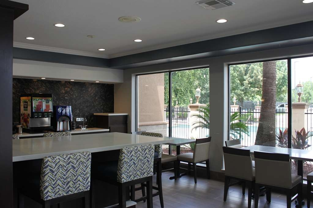 Best Western Plus North Houston Inn & Suites - Restaurante/Comedor
