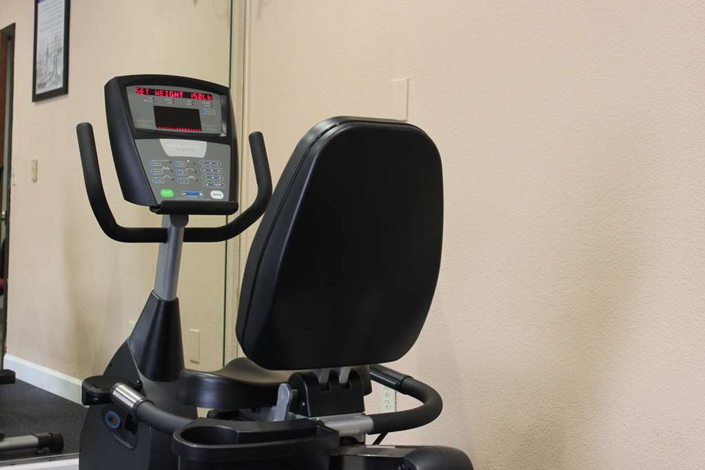 Best Western Plus North Houston Inn & Suites - Fit a workout into your busy day during your stay with the convenience of our 24-hour fitness center.
