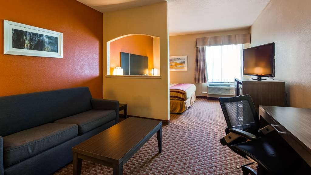 Best Western Plus North Houston Inn & Suites - King Suite