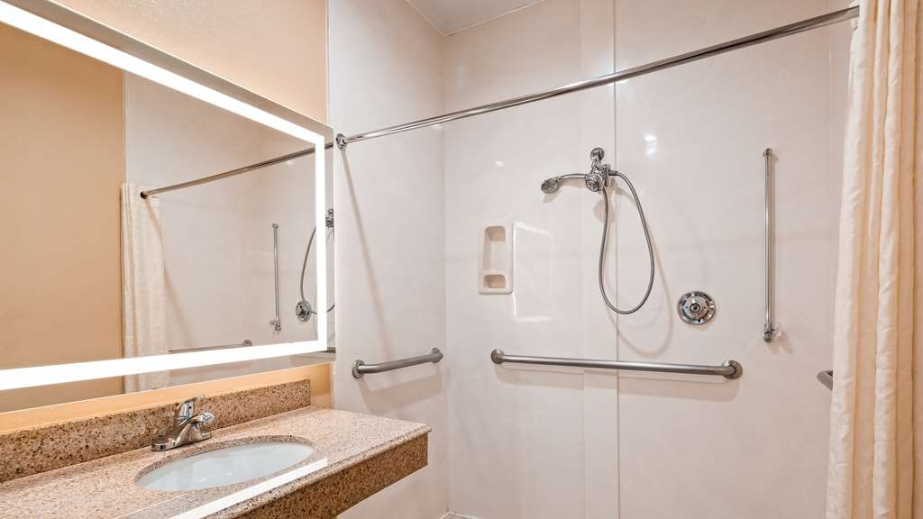 Best Western Plus North Houston Inn & Suites - Accessible Guest Bathroom with Roll-in Shower