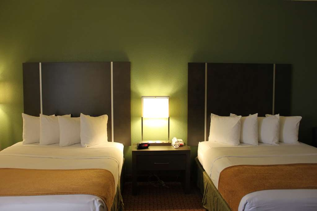 Best Western Plus North Houston Inn & Suites - All of our family rooms are furnished with 2 queens beds.