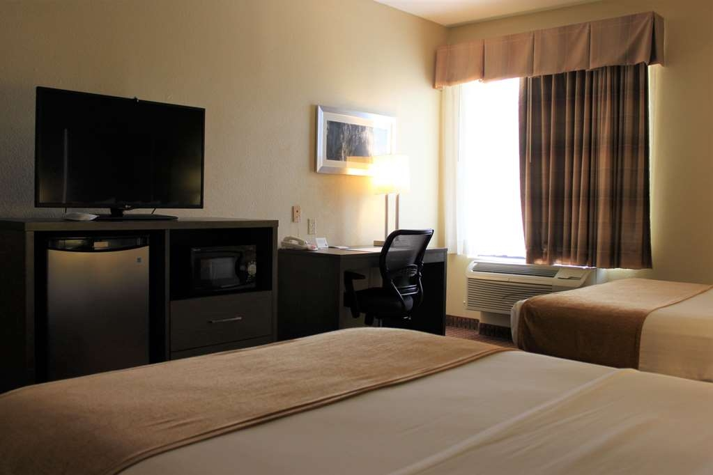 Best Western Plus North Houston Inn & Suites - Make yourself at home in our Two Queen room.