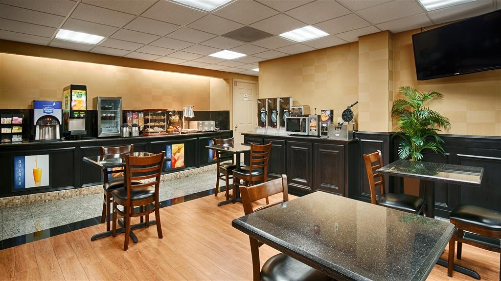 Best Western Plus Northwest Inn & Suites - Colazione