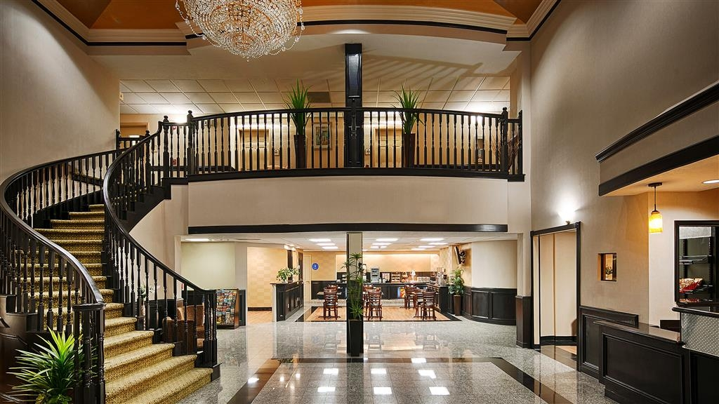 Best Western Plus Northwest Inn & Suites - Hall