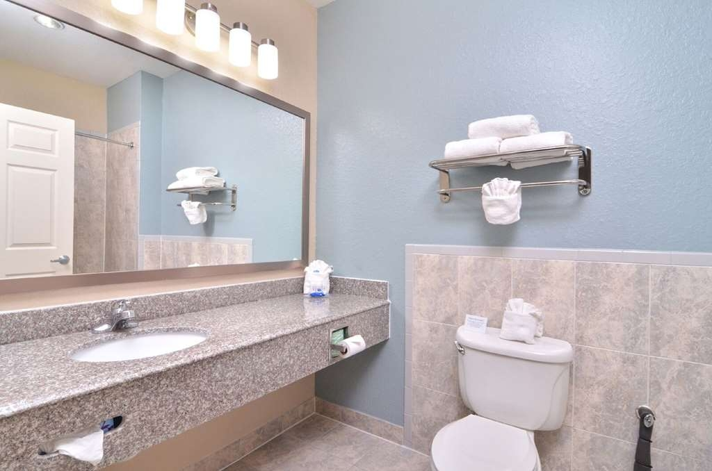 Best Western Plus Northwest Inn & Suites - Salle de bain