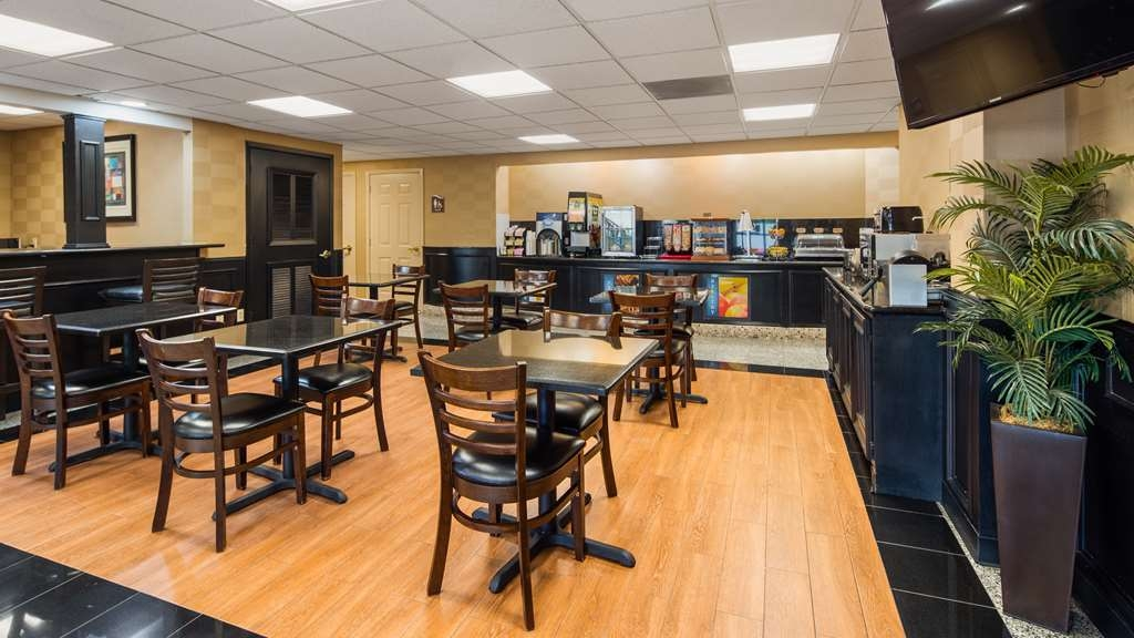 Best Western Plus Northwest Inn & Suites - Restaurante/Comedor