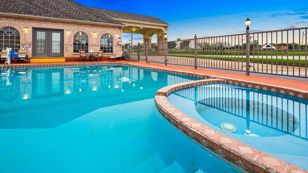 Best Western La Hacienda Inn - Pool view