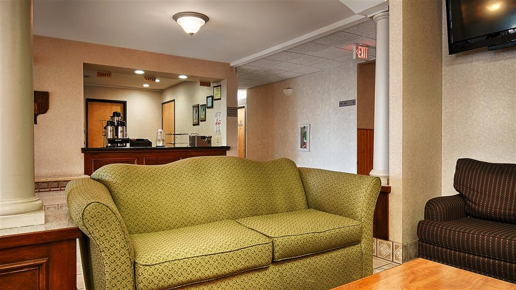 Best Western Inn & Suites - Hall dell'hotel