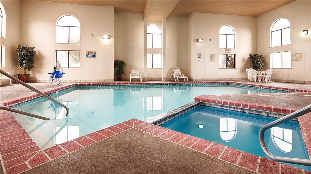 Best Western Windsor Inn - Piscina coperta e idromassaggio