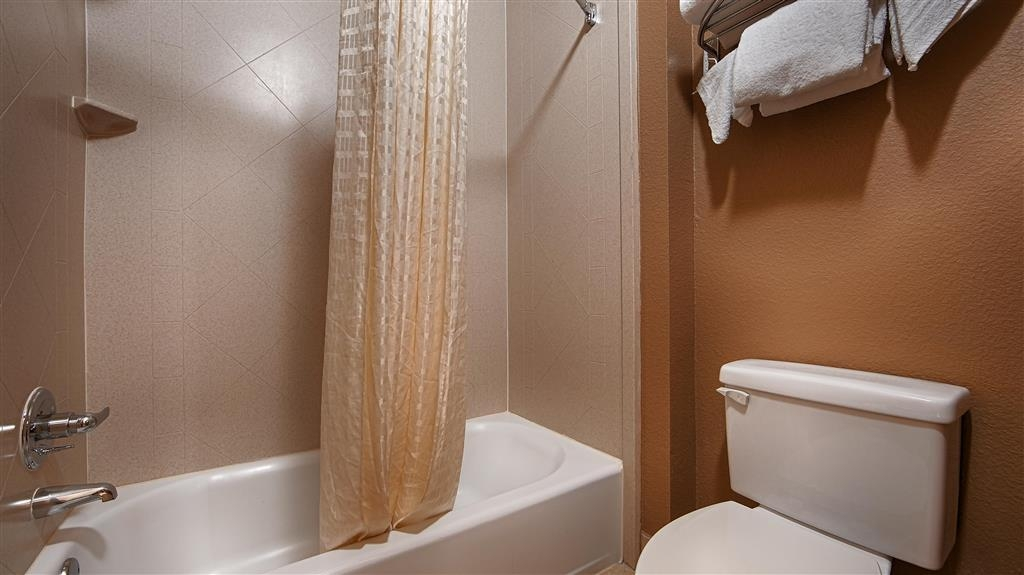 Best Western Executive Inn El Campo - We strive our best to keep your area spotless.